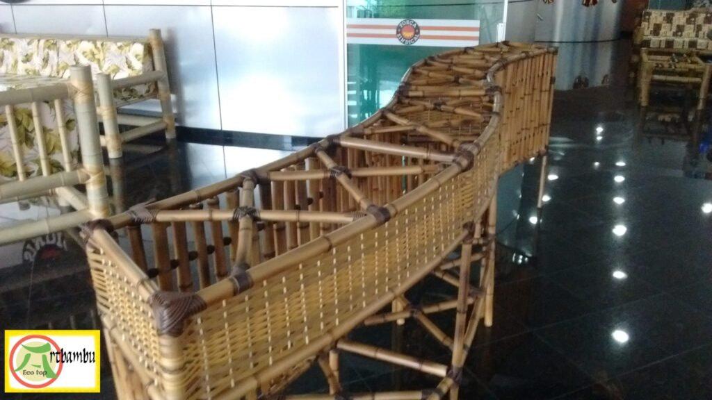 Balcão de bambu tratado, veja os nossos lindos trabalhos .