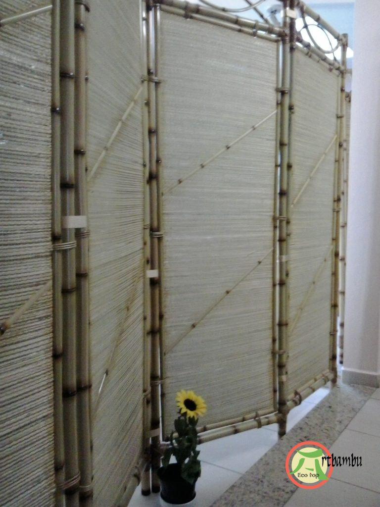 055-biombo coberto com palha