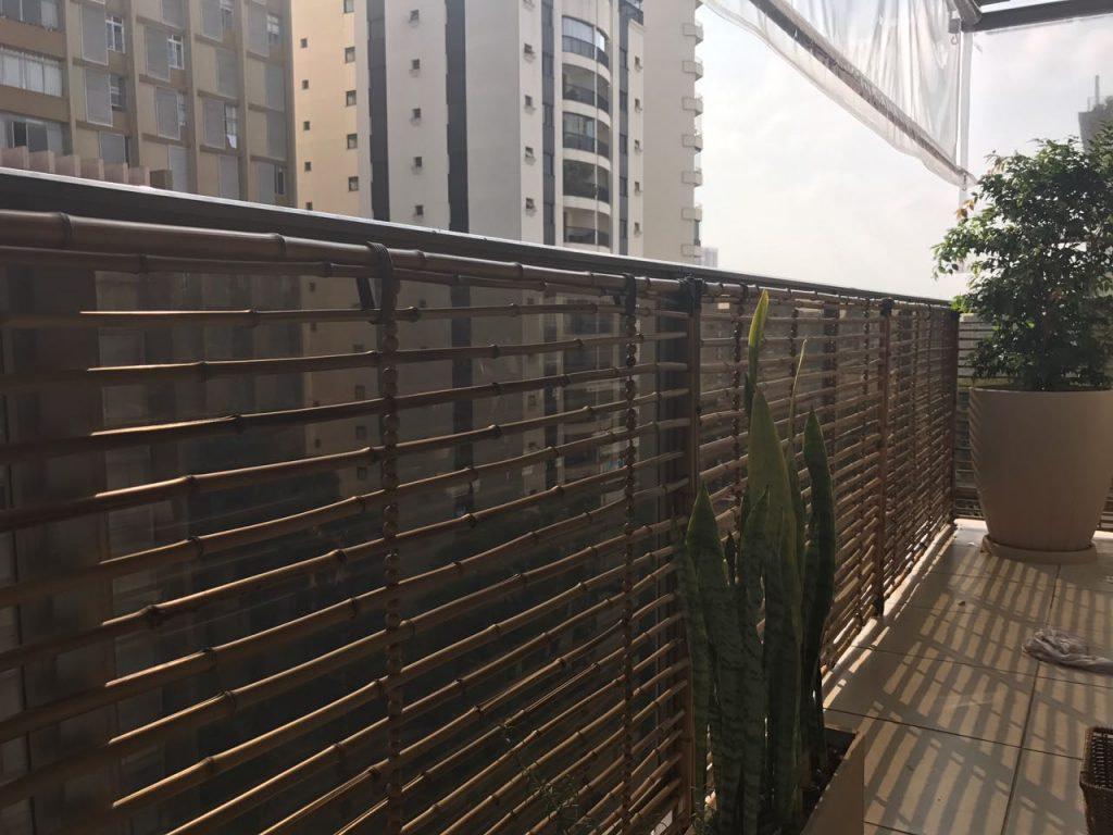 cerca de bambu na varanda