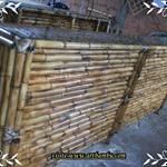 balcão de bambu queimado
