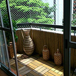 cerca de bambu forrando parede