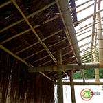 gazebo de bambu coberto com piaçava
