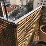 Cerca de bambu com espaçadores
