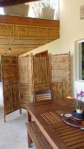 Painel de bambu queimado