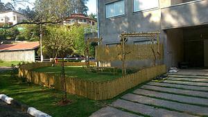 como fazer uma cerca de bambu