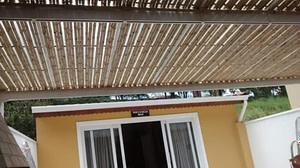 Read more about the article Cobrir pérgola com bambu, é simplesmente sensacional!!