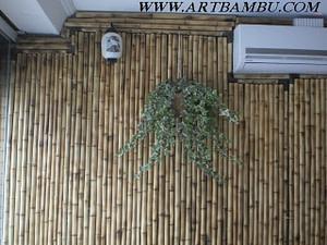 Decorar parede com bambu mosso e cana da índia