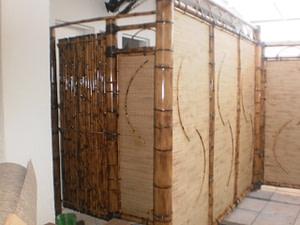 Read more about the article Divisória de bambu como parede,para a sua casa e jardim.