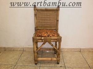 cadeira de bambu decorativa tramada