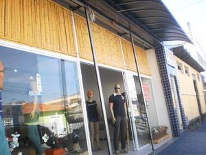 móveis e decorações de bambu