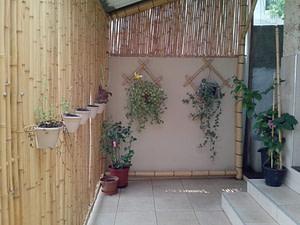 móveis feito de bambu na decoração