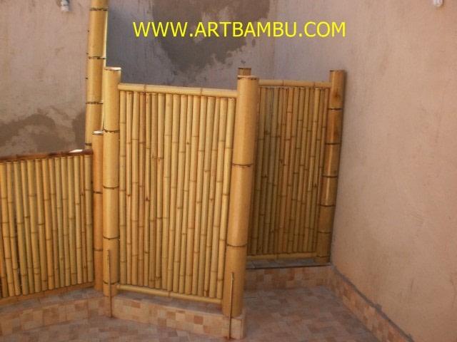 CP-054 Decoração em jardim feita com bambu nº03 na cor natural e verniz acetinado